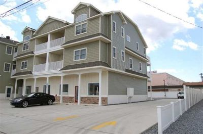 6300 Landis Ave  **SOLD $410,000*** Unit N