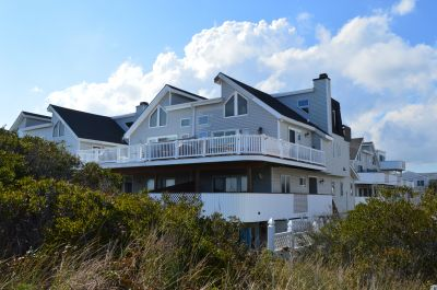 3002 Marine Place, North SOLD $1,369,000.