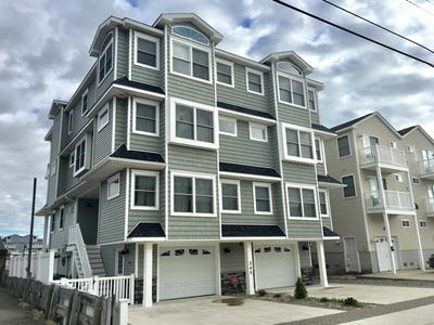 345 43rd Place, West Unit *UNDER CONTRACT*, Sea Isle City, NJ